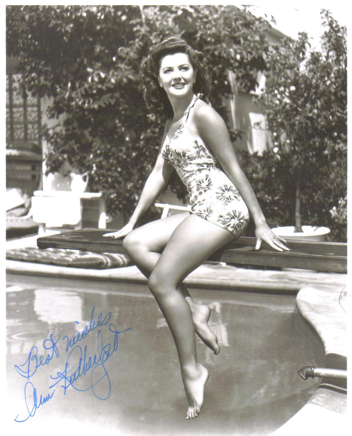 Shirley Mitchell Sex fotos Sasha Alexander,Beverly Polcyn